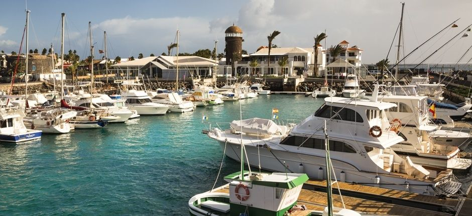 Radio Sintonía – Las patronales turísticas felicitan al Ayuntamiento de Antigua por su implicación con el sector